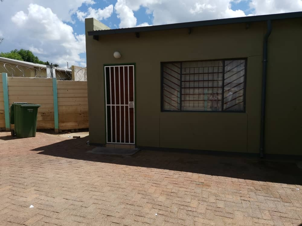 3 Bedroom House For Sale in Katutura