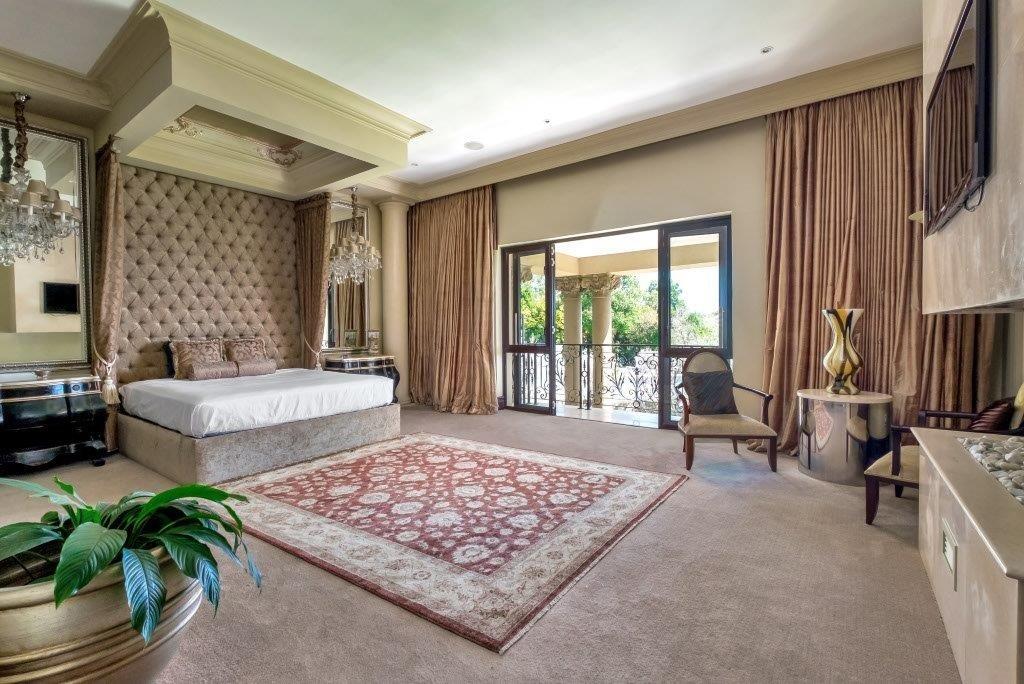 5 Bedroom House For Sale in Sandhurst