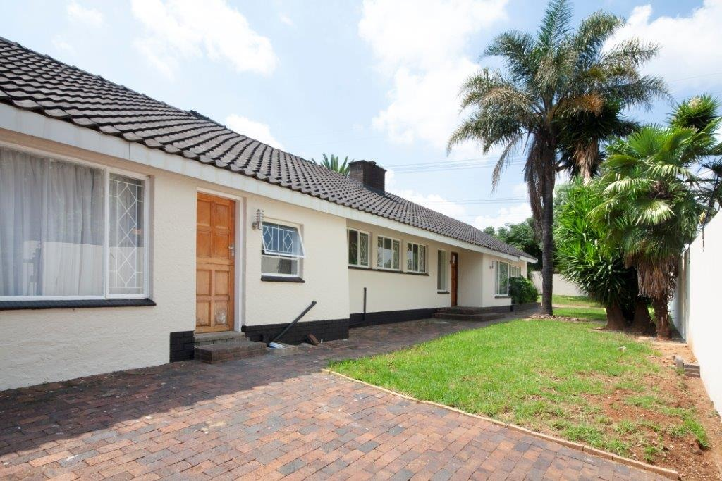 5 Bedroom House To Rent in Parkmore