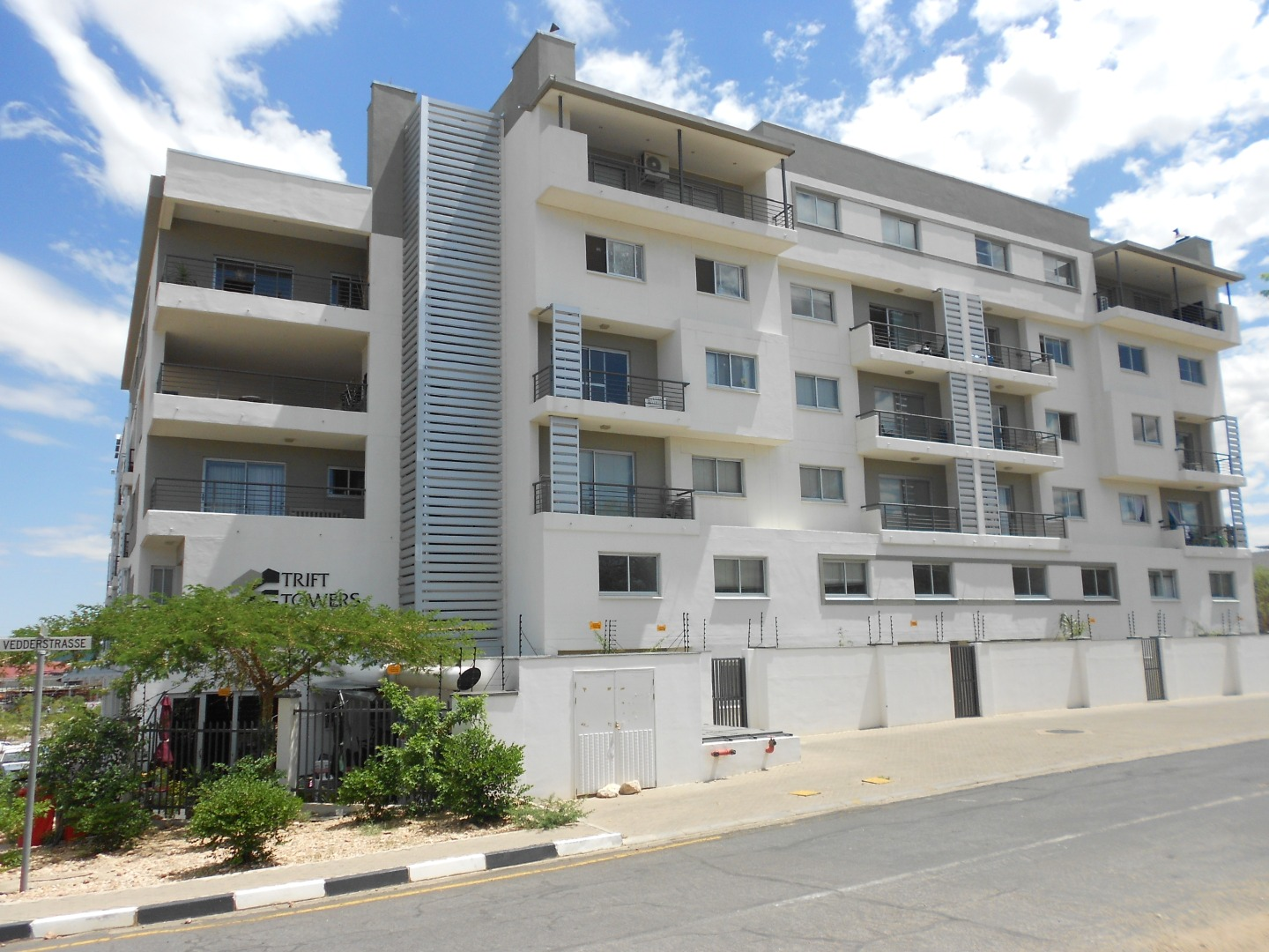 1 Bedroom Apartment / Flat For Sale in Windhoek Central