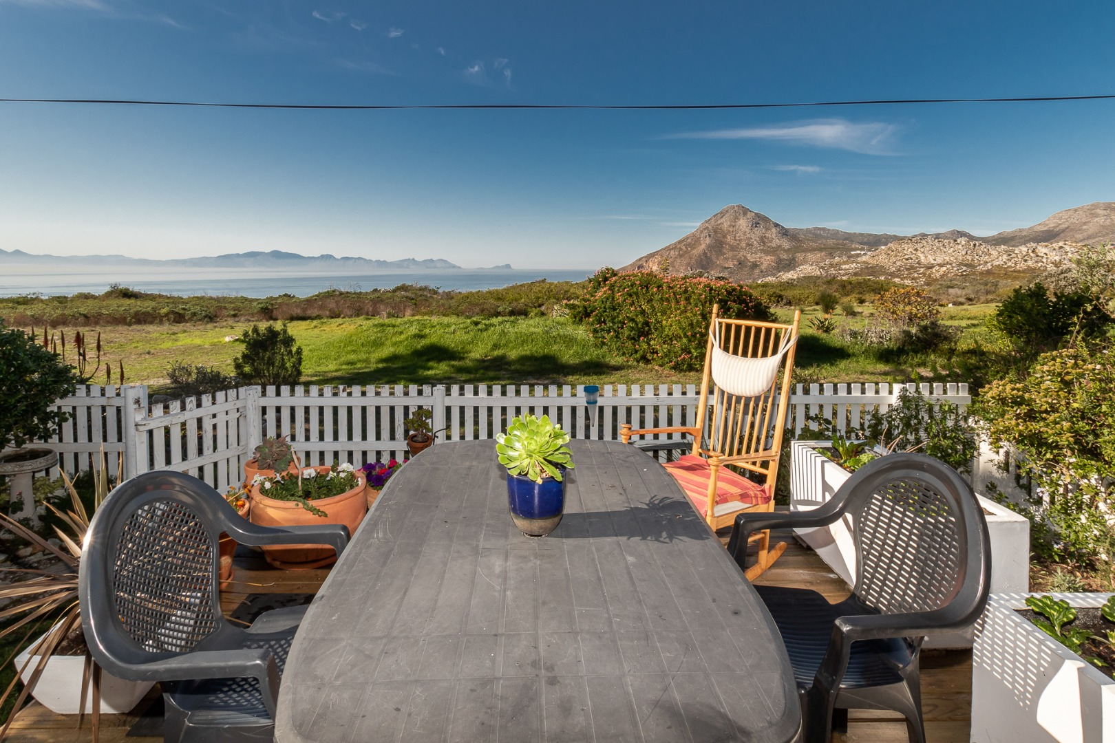 2 Bedroom House For Sale in Simons Town Rural