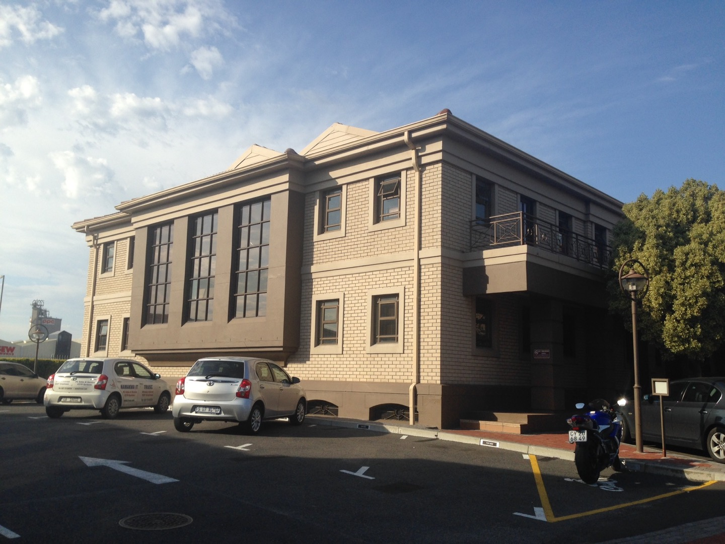 Commercial Property in Milnerton Central To Rent