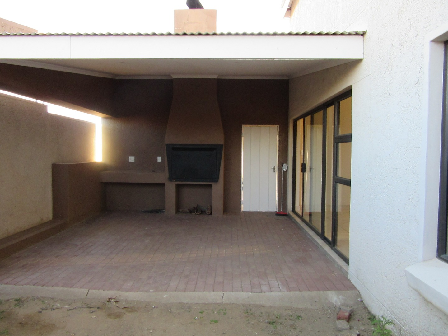 3 Bedroom Townhouse For Sale in Suiderhof