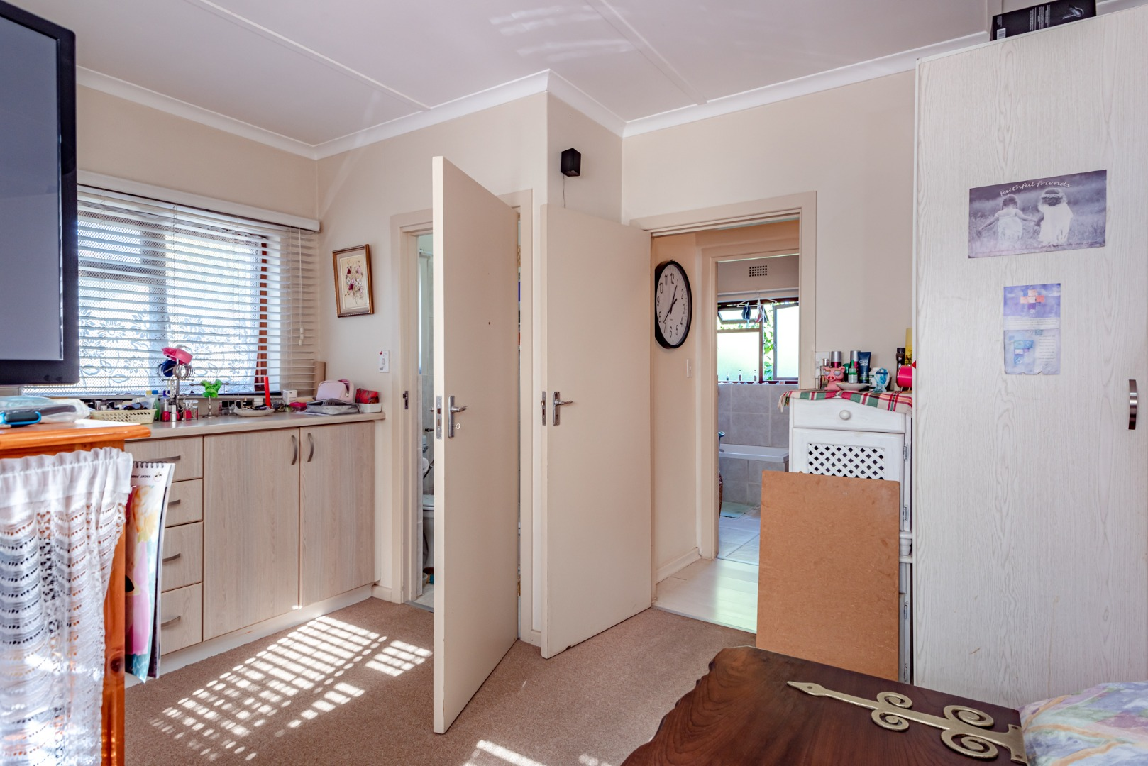 5 Bedroom House For Sale in Old Place