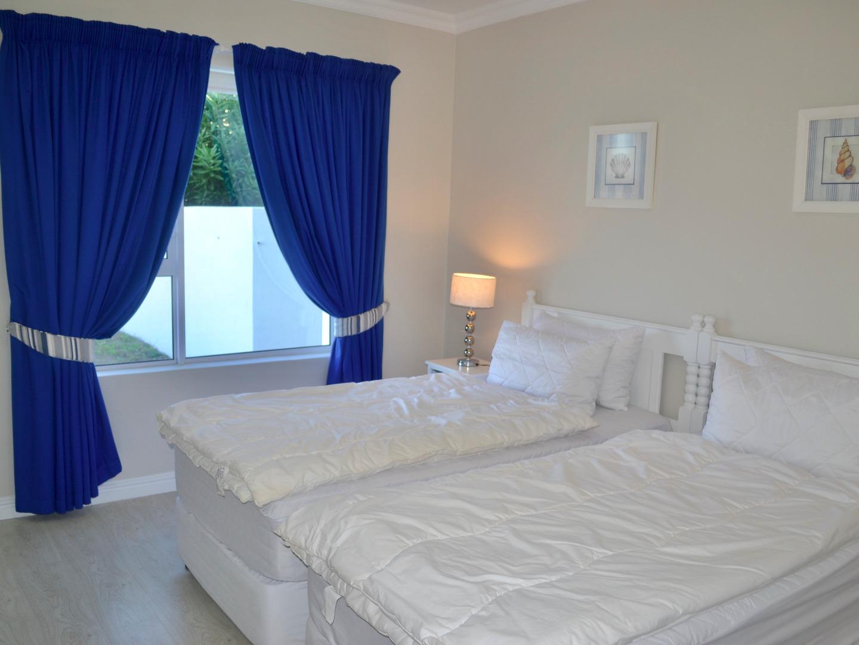7 Bedroom House For Sale in Heuwelkruin