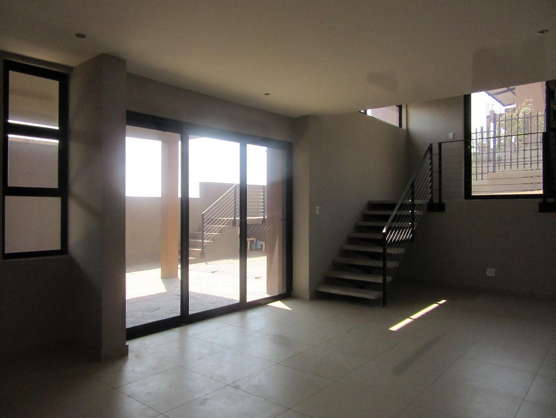 3 Bedroom Townhouse To Rent in Kleine Kuppe