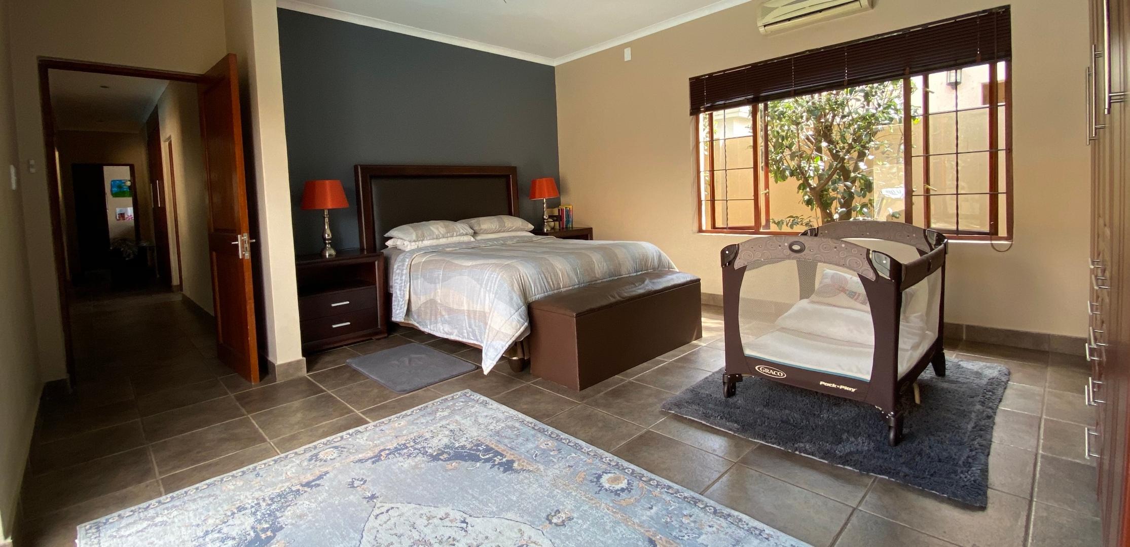 4 Bedroom House For Sale in Leeuwenhof Estate