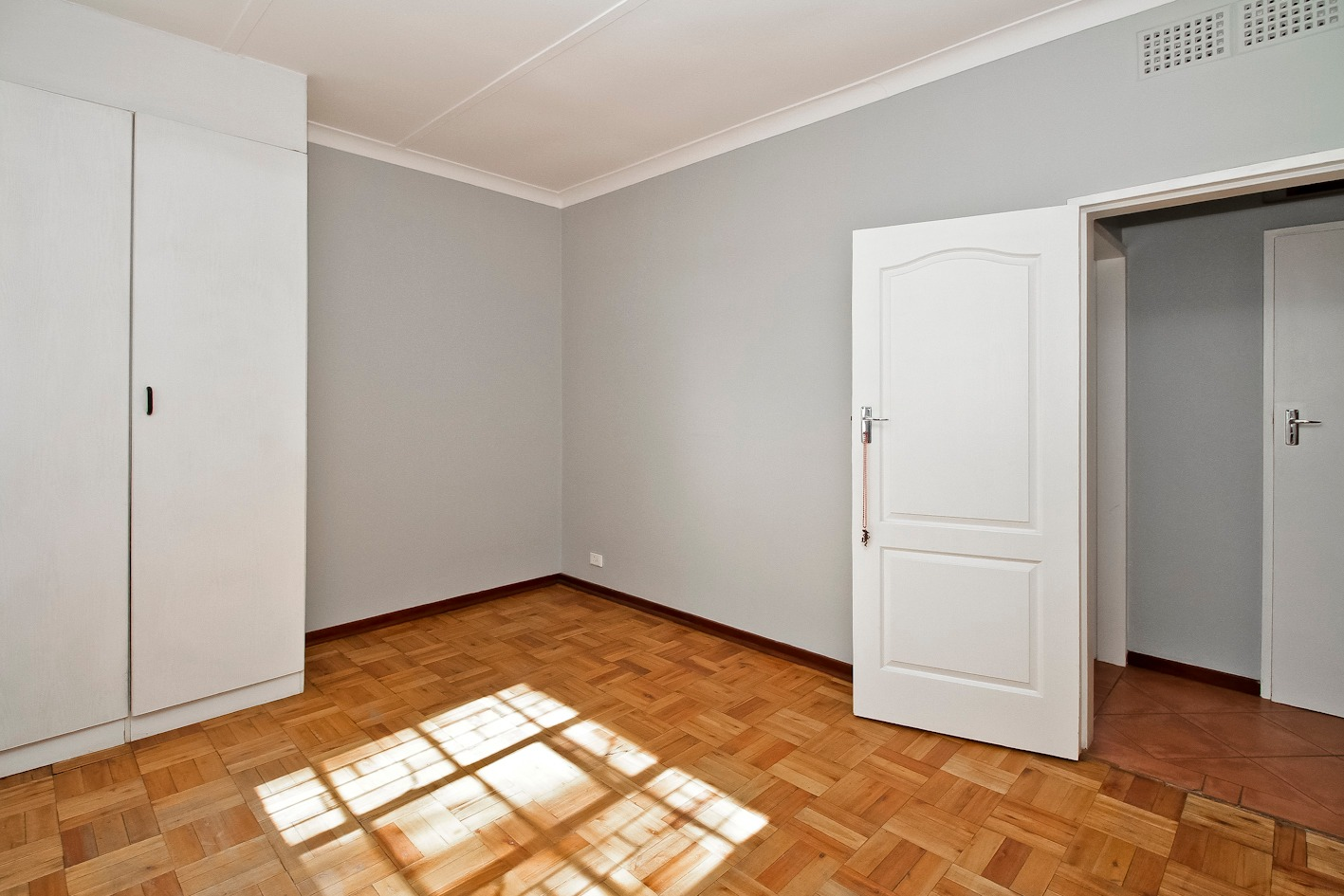 2 Bedroom Townhouse For Sale in Lakeside