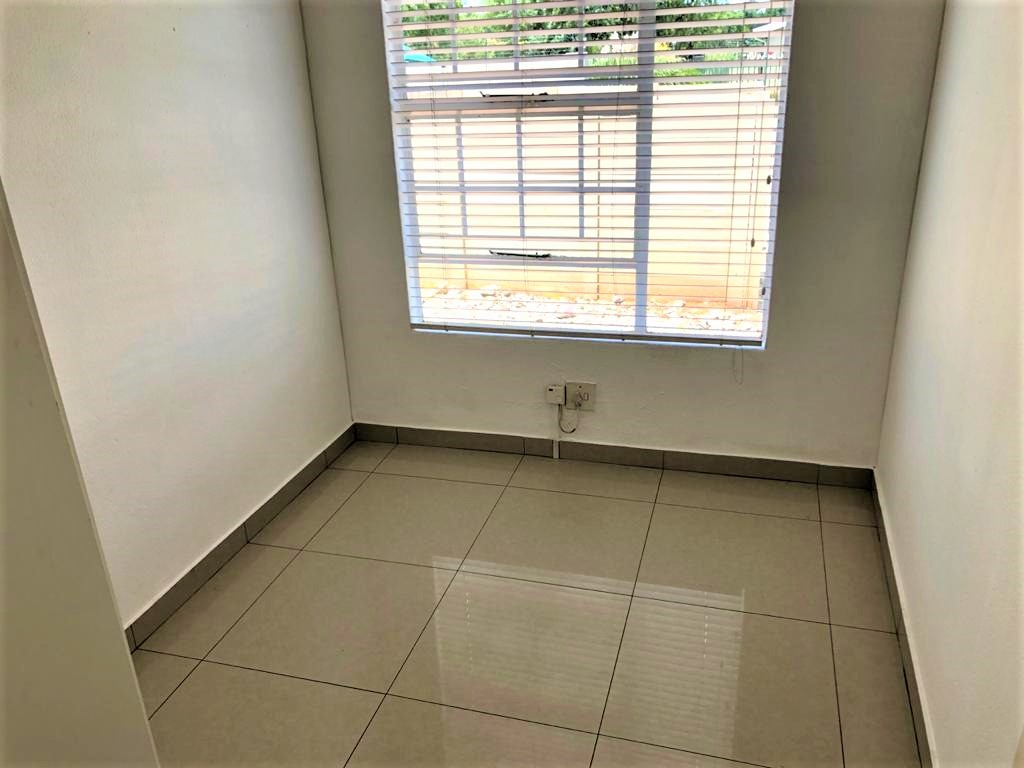 3 Bedroom Townhouse For Sale in Meyersdal