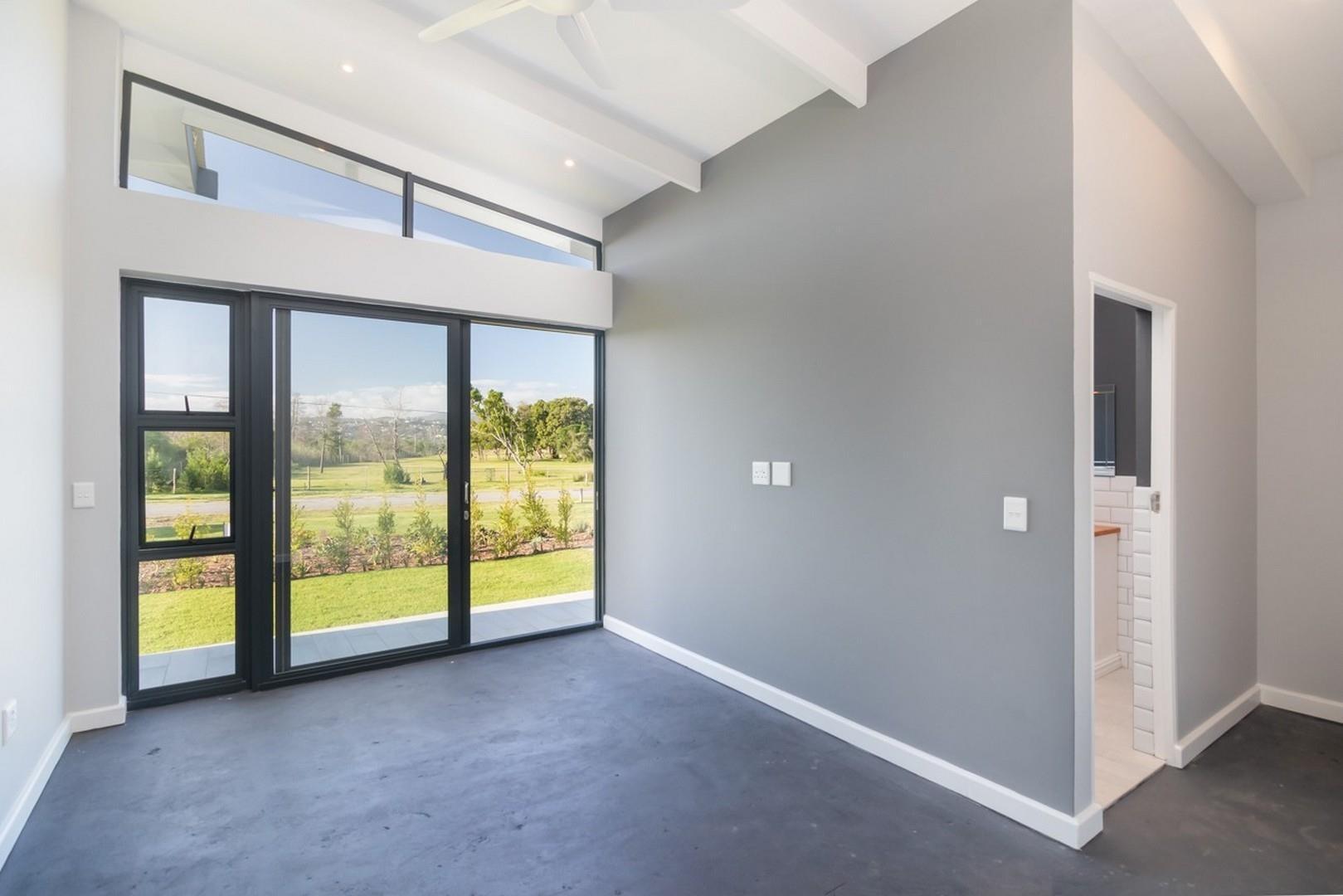 3 Bedroom House For Sale in Brenton On Lake