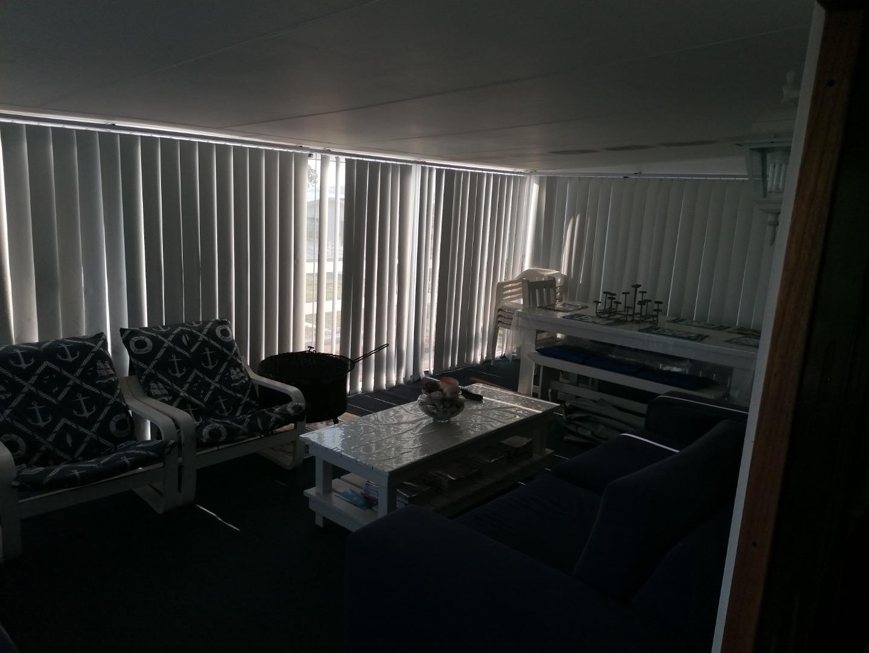 2 Bedroom House For Sale in Leentjiesklip