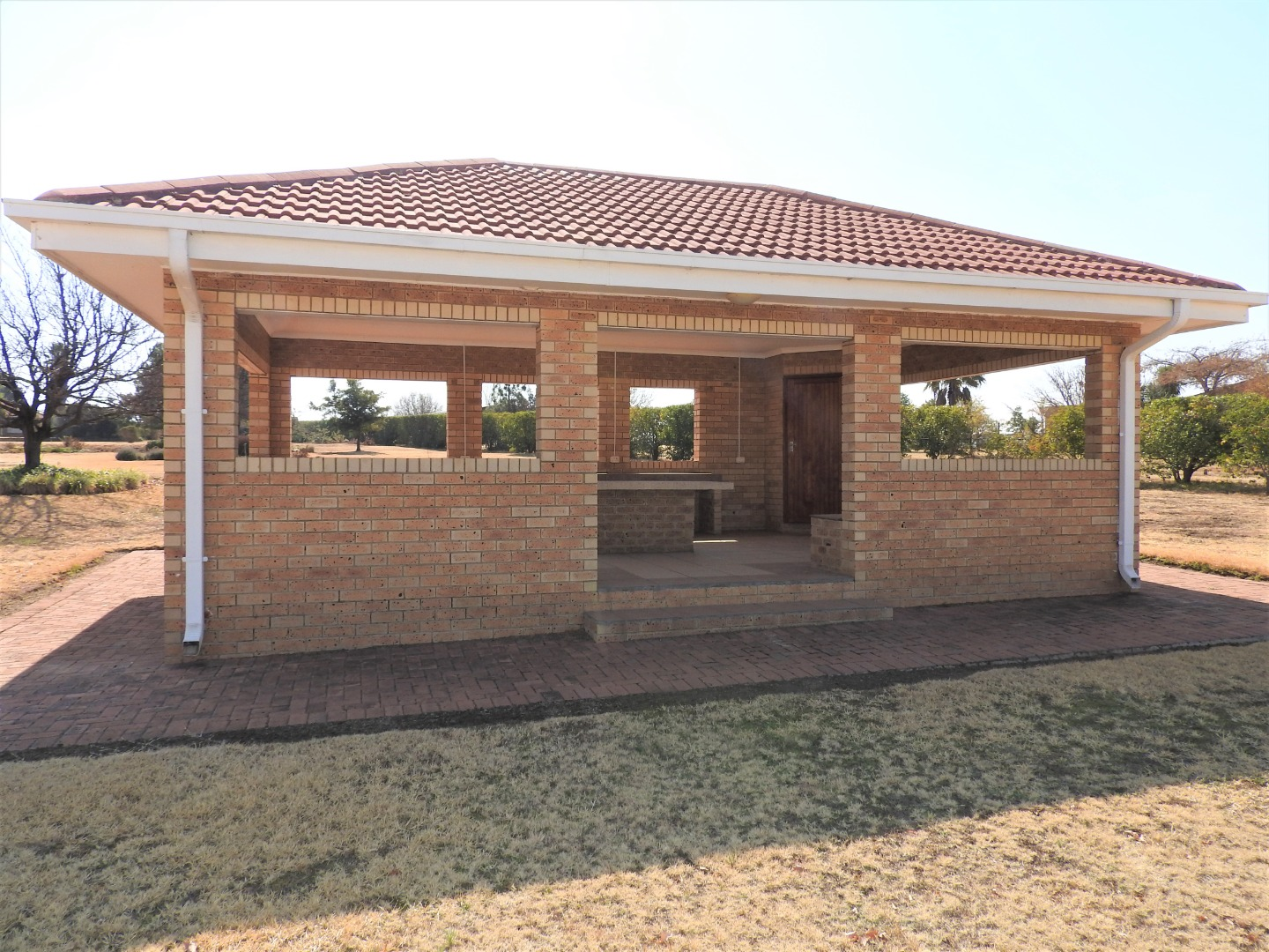 6 Bedroom House For Sale in Vaal Marina