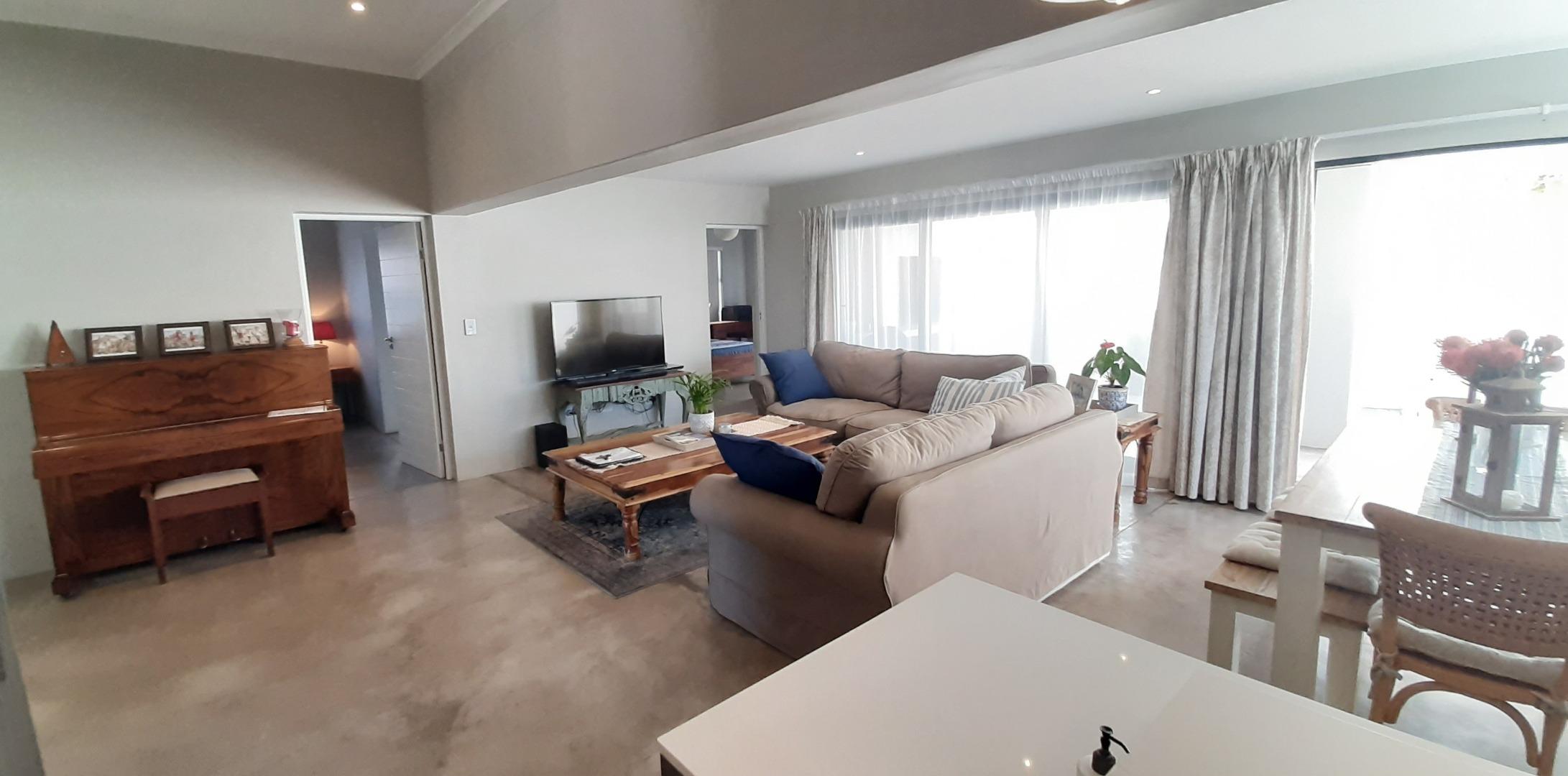 3 Bedroom House For Sale in Calypso Beach