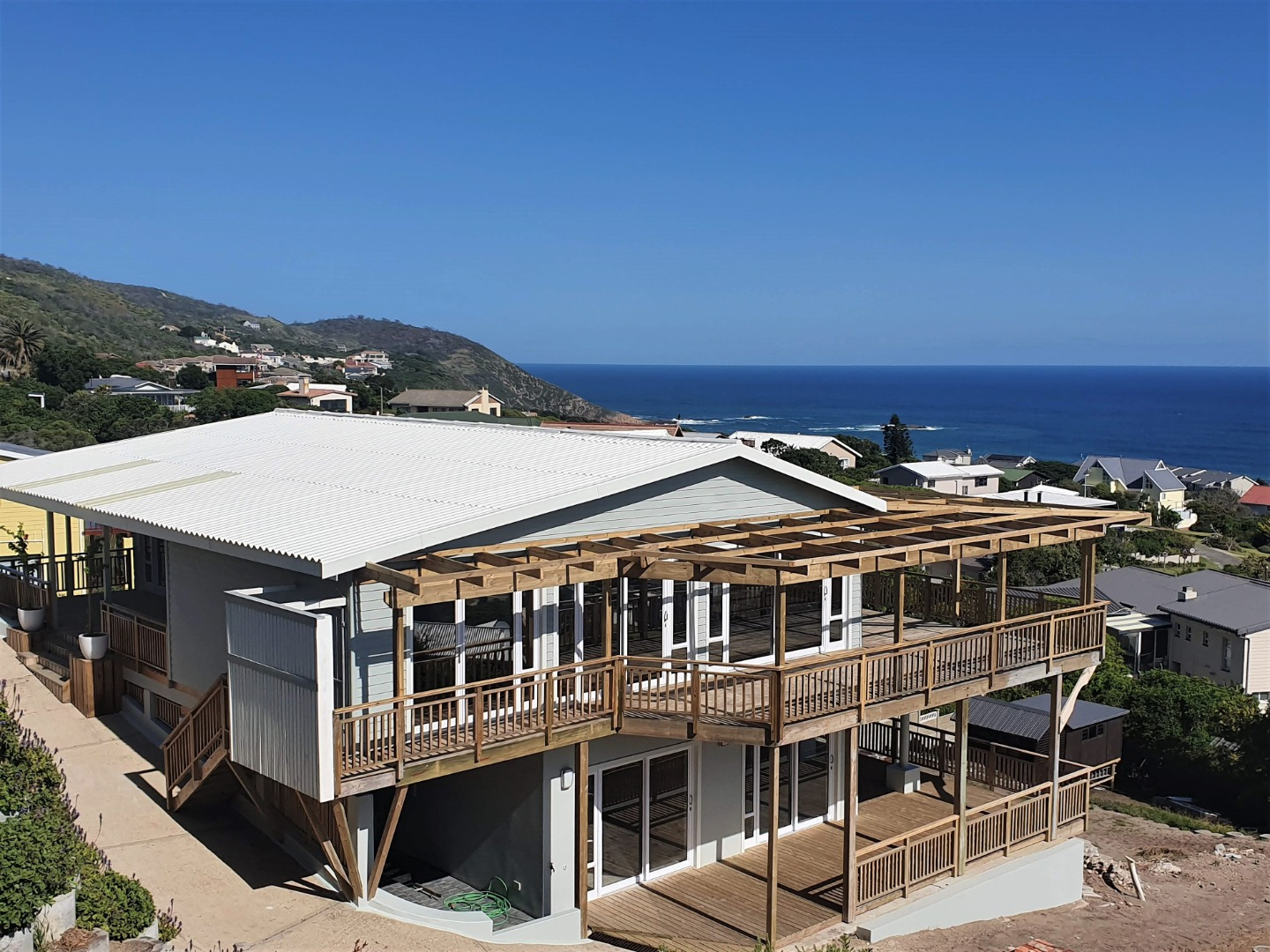 5 Bedroom House For Sale in Brenton On Sea
