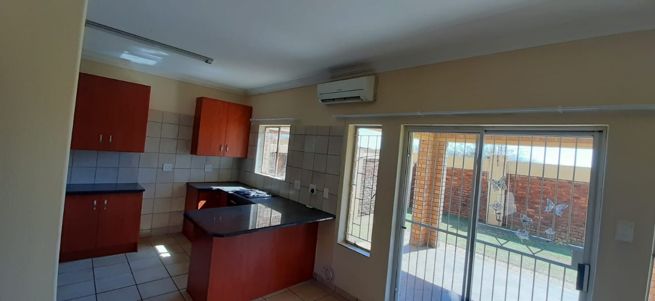 2 Bedroom Townhouse To Rent in Lephalale