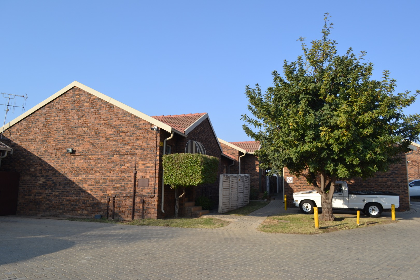 3 Bedroom Townhouse For Sale in The Reeds