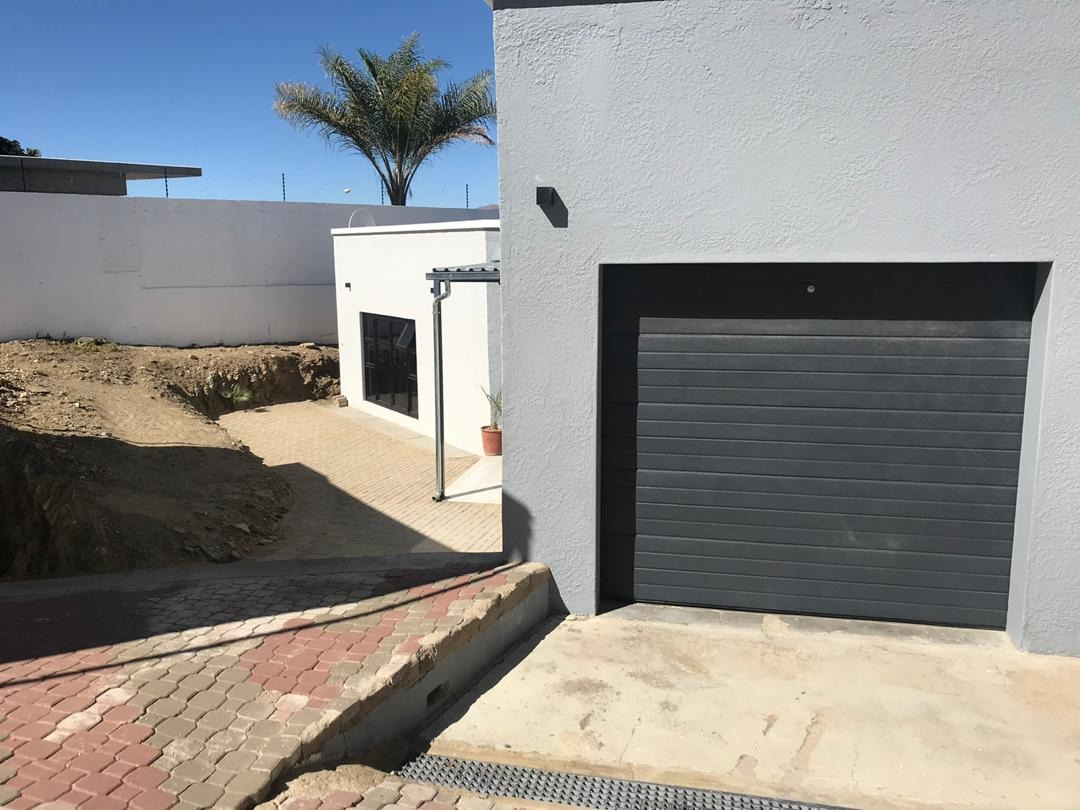3 Bedroom House For Sale in Hochland Park
