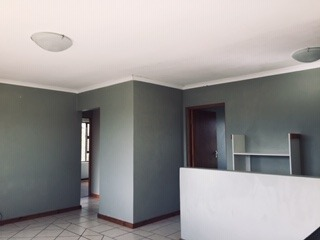 4 Bedroom House To Rent in Knysna Heights