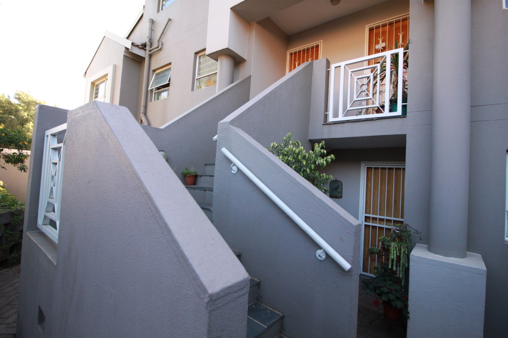 2 Bedroom Apartment Flat To Rent In Kensington Re Max Of Southern Africa