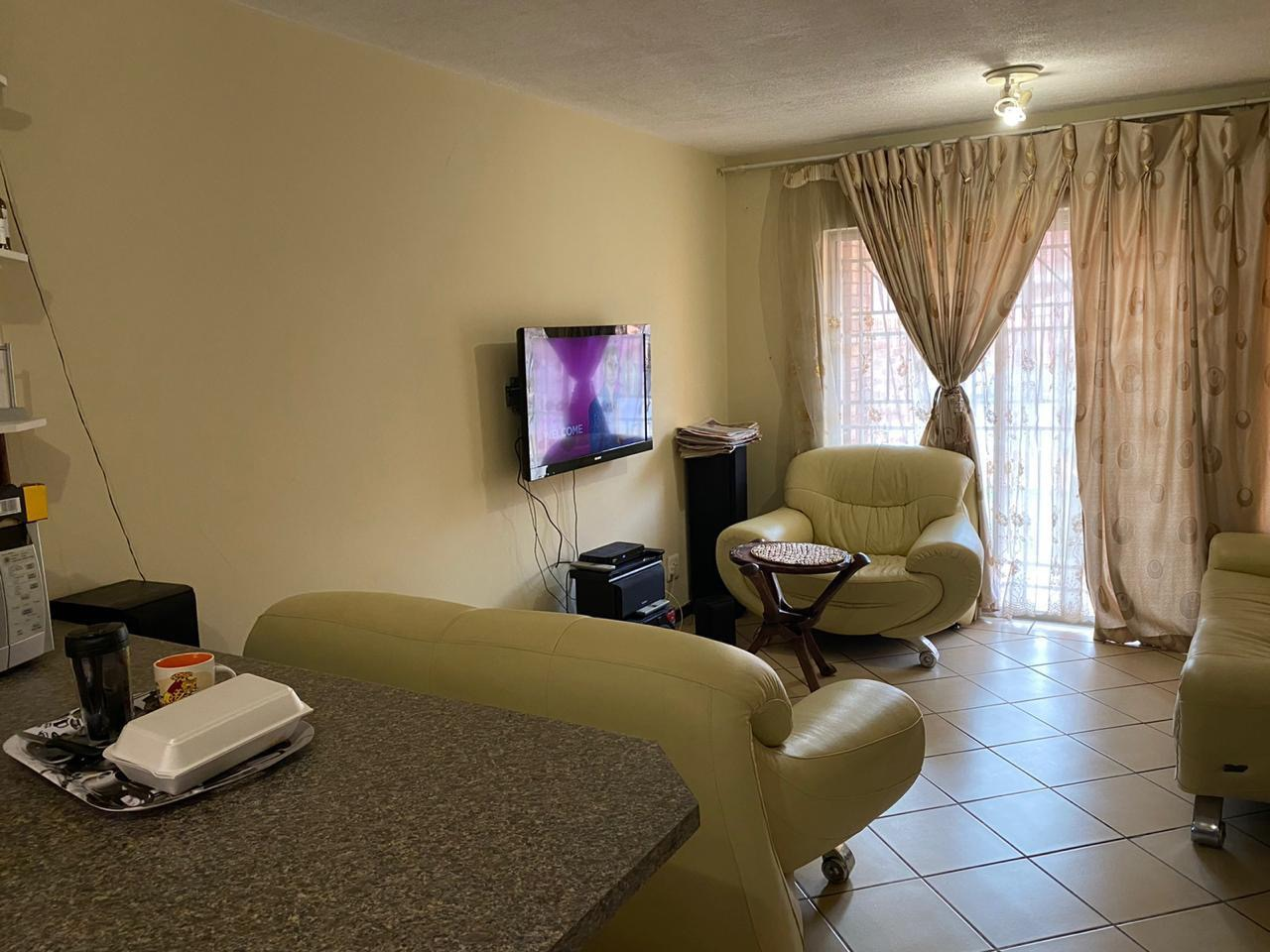 2 Bedroom Apartment / Flat For Sale in Karenpark