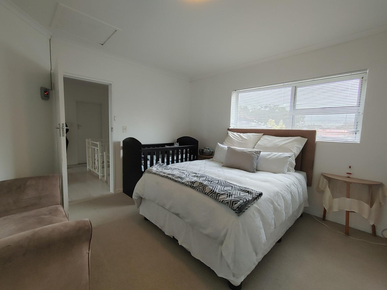 3 Bedroom Townhouse For Sale in Welgelegen