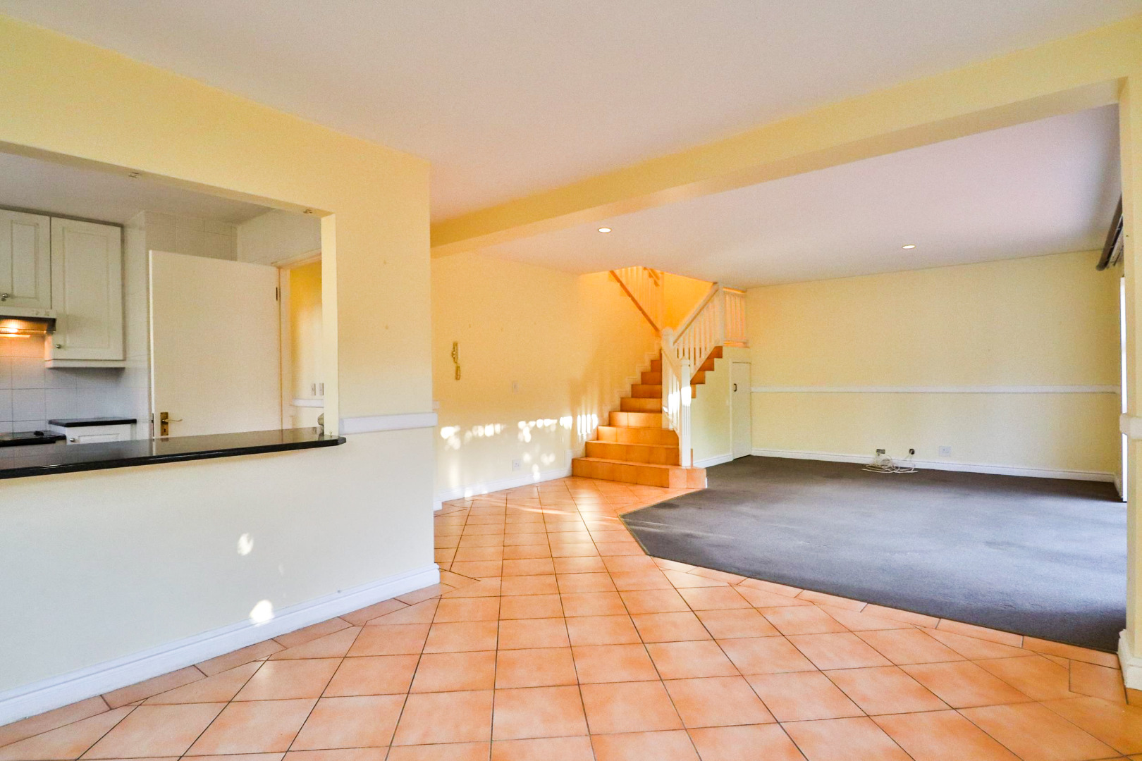 3 Bedroom Townhouse For Sale in Knysna Central