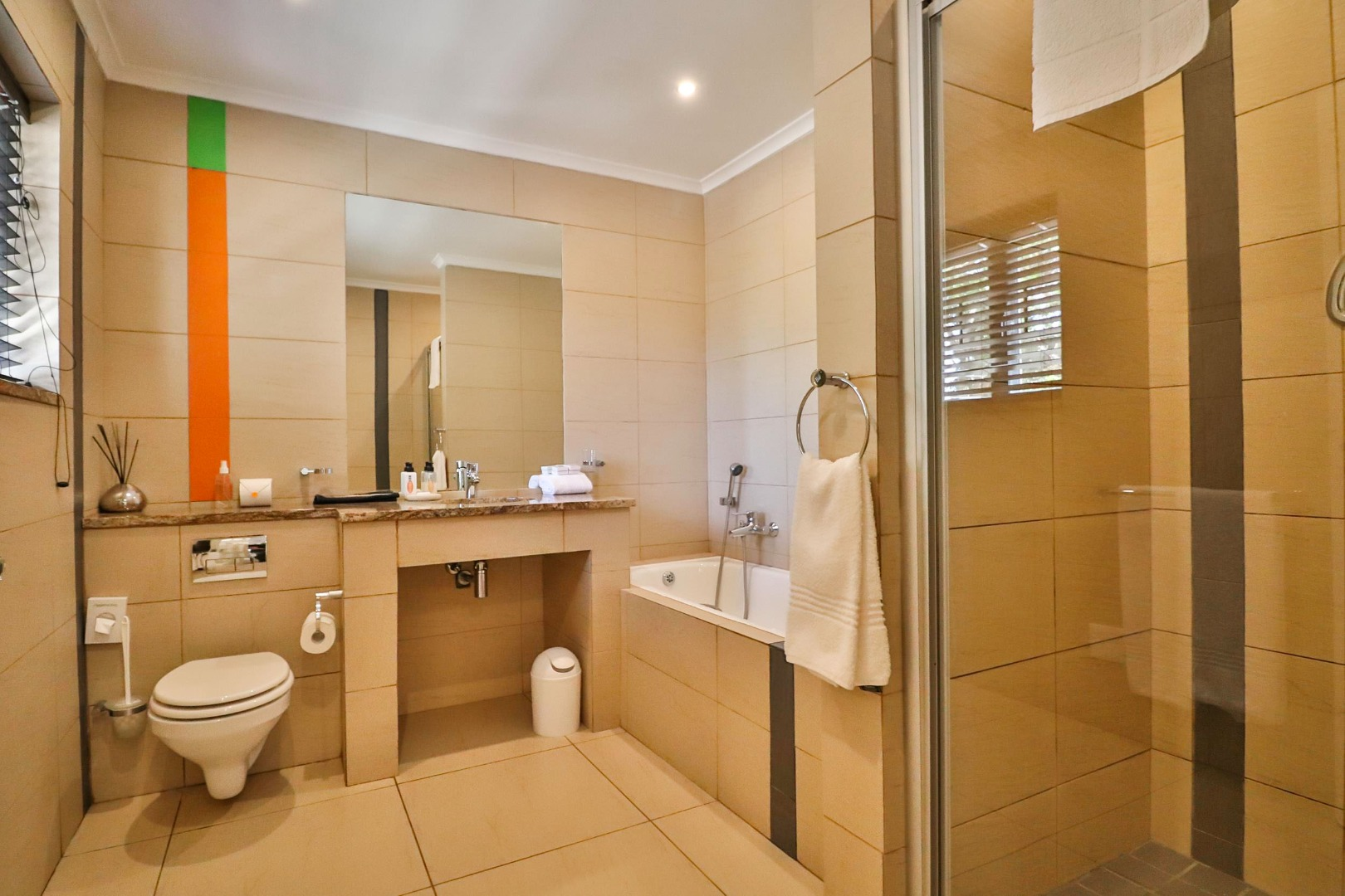 9 Bedroom House For Sale in Old Place