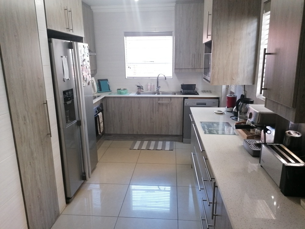 3 Bedroom Townhouse For Sale in New Redruth