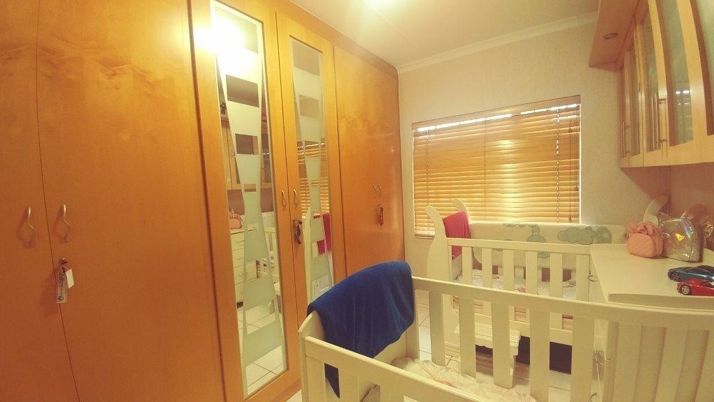 3 Bedroom House For Sale in Lenasia