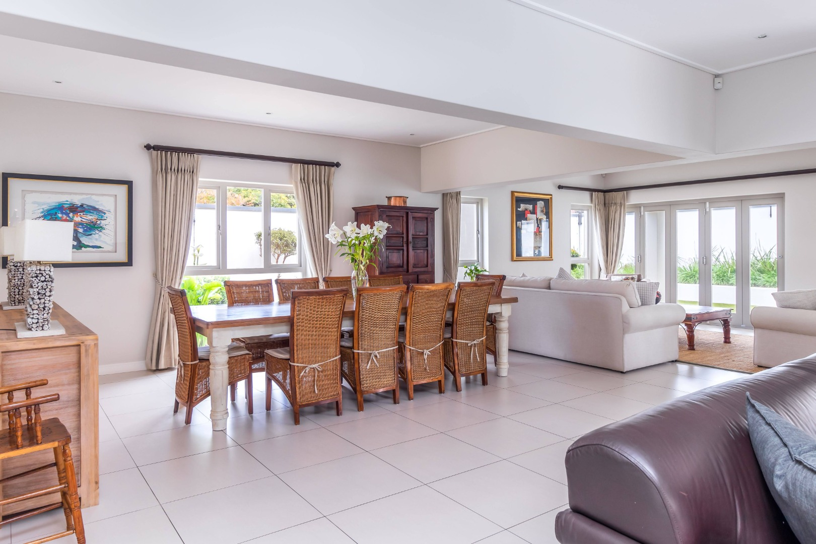 4 Bedroom House For Sale in Tokai