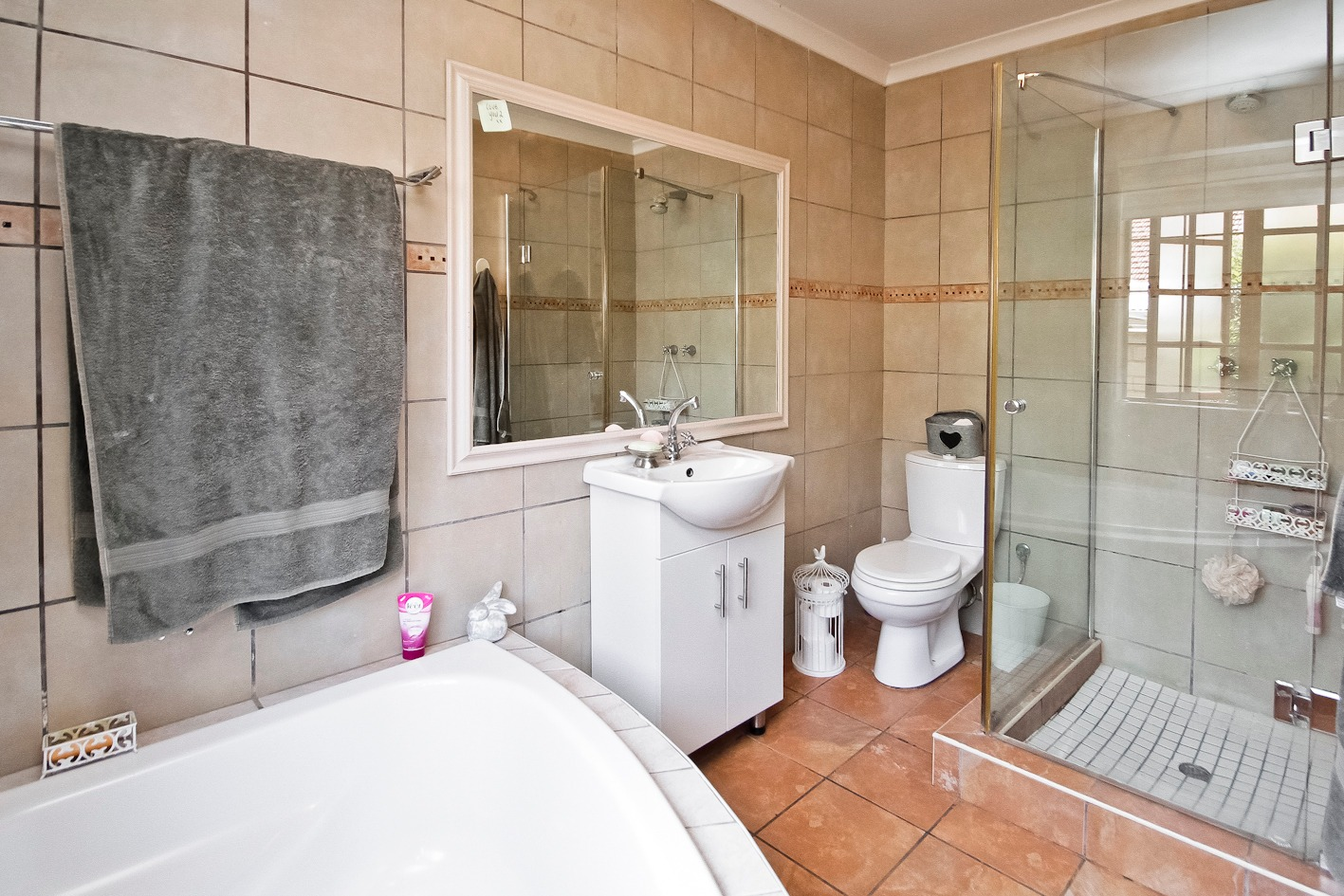 4 Bedroom House For Sale in Thornhill Estate