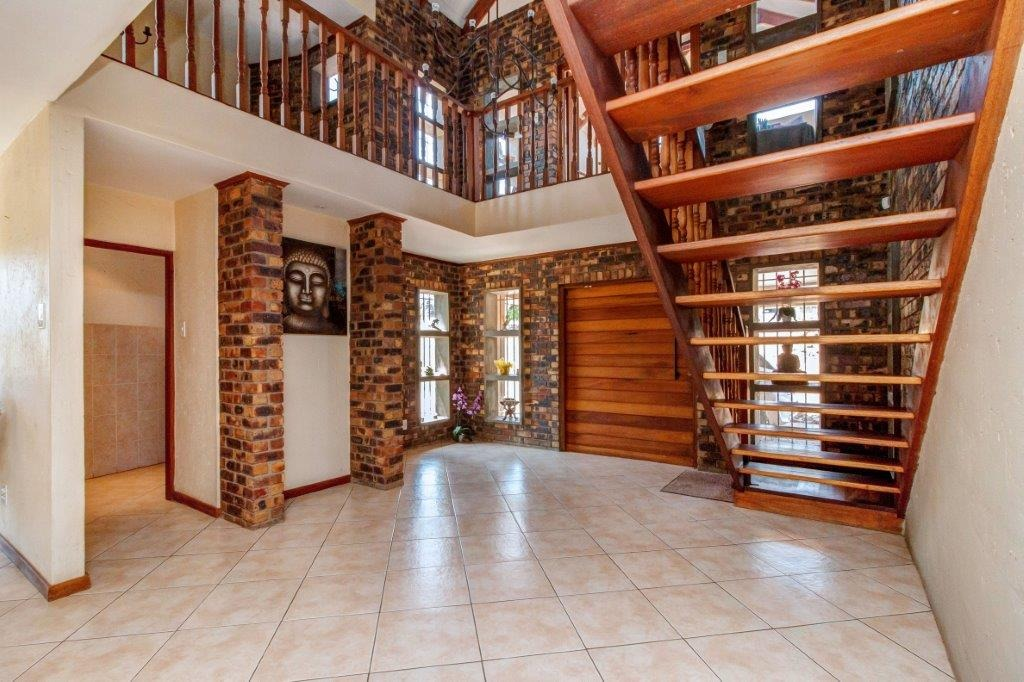 3 Bedroom House For Sale in Randburg Central