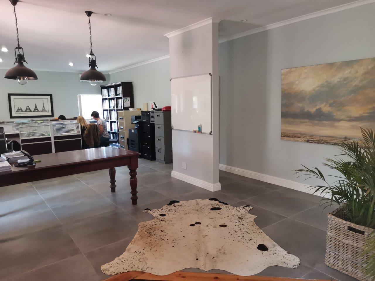 3 Bedroom Townhouse For Sale in Blackridge