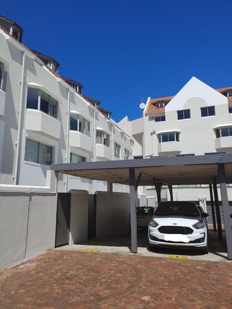 3 Bedroom Apartment / Flat For Sale in Stellenbosch Central