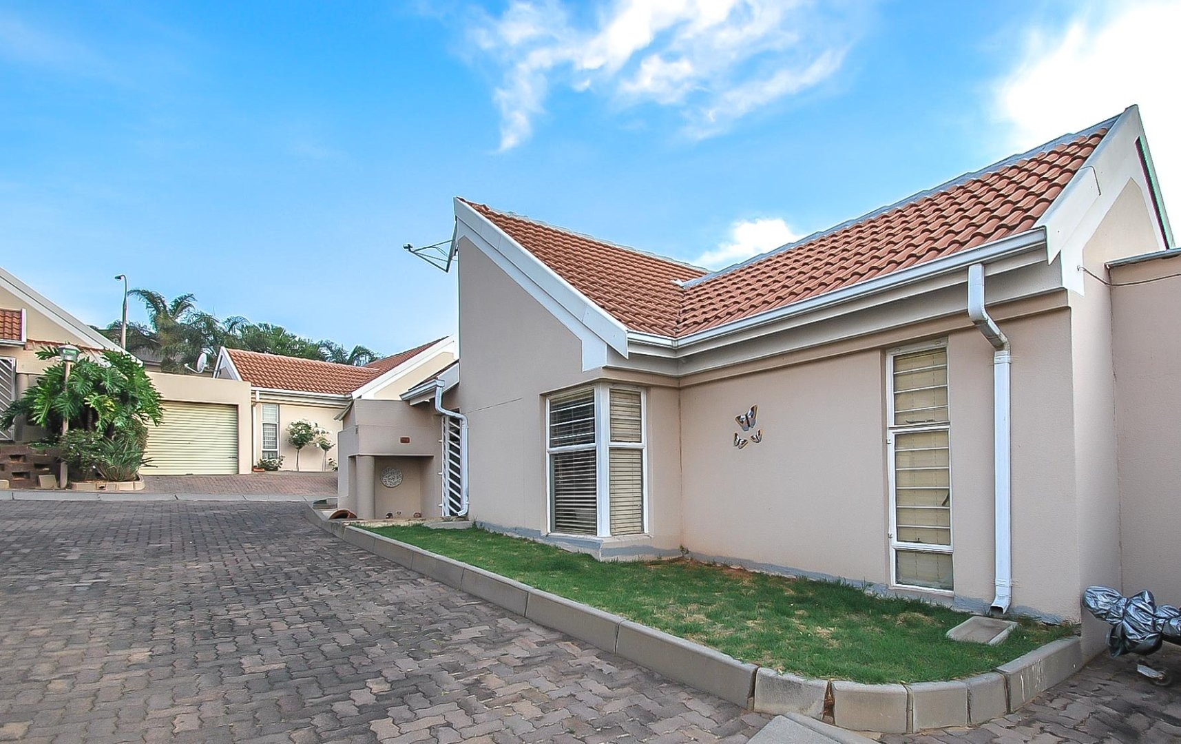 3 Bedroom Townhouse For Sale in Quellerina