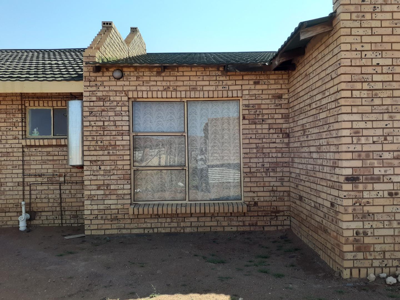 4 Bedroom House For Sale in Kuruman Rural
