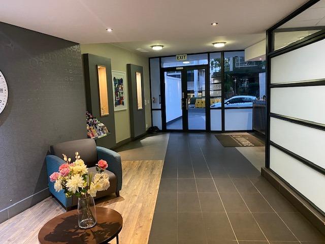2 Bedroom Apartment / Flat For Sale in Rosebank