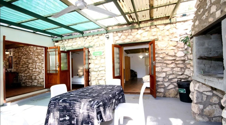 2 Bedroom House For Sale in Stilbaai Oos