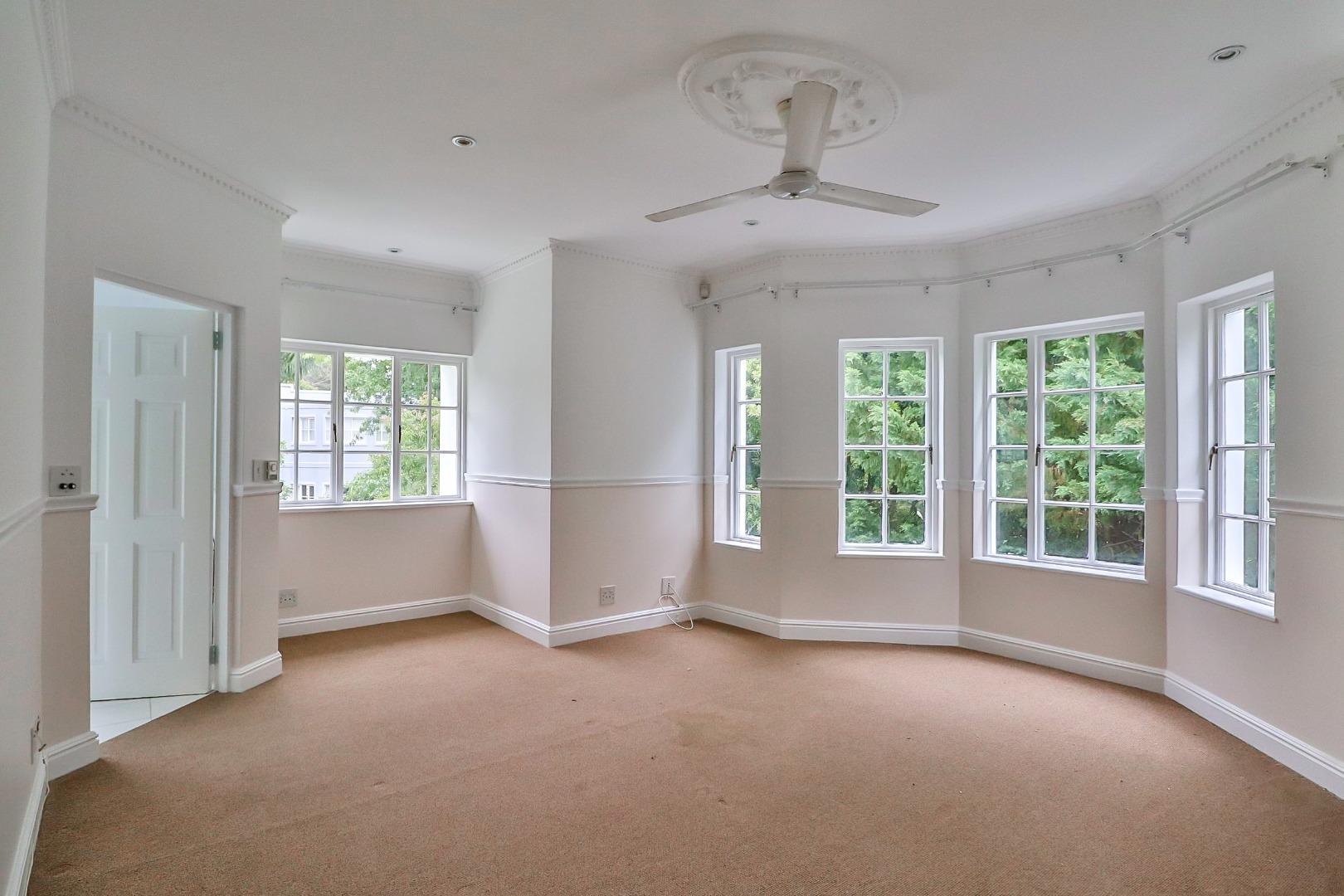 6 Bedroom House For Sale in Belvidere Estate