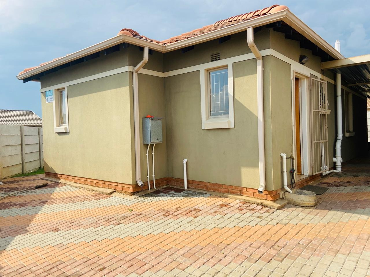 3 Bedroom Townhouse For Sale in Leopard's Rest Security Estate