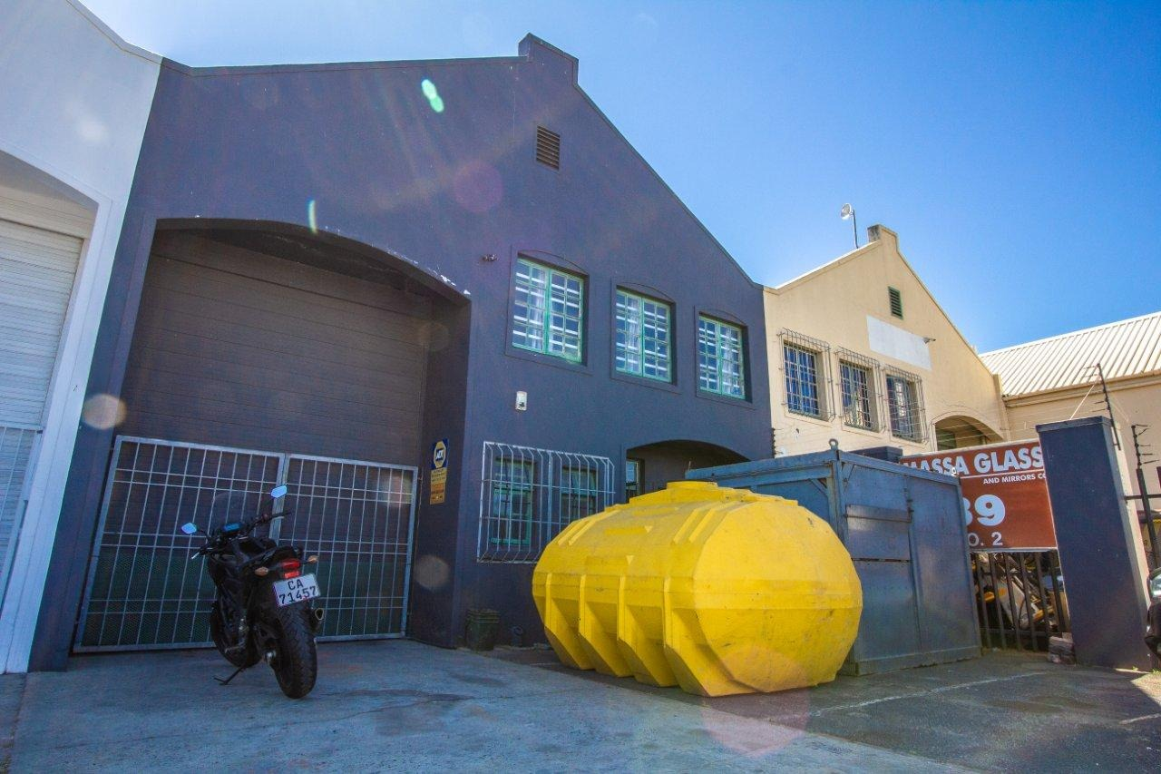 Commercial Property in Paarden Eiland For Sale