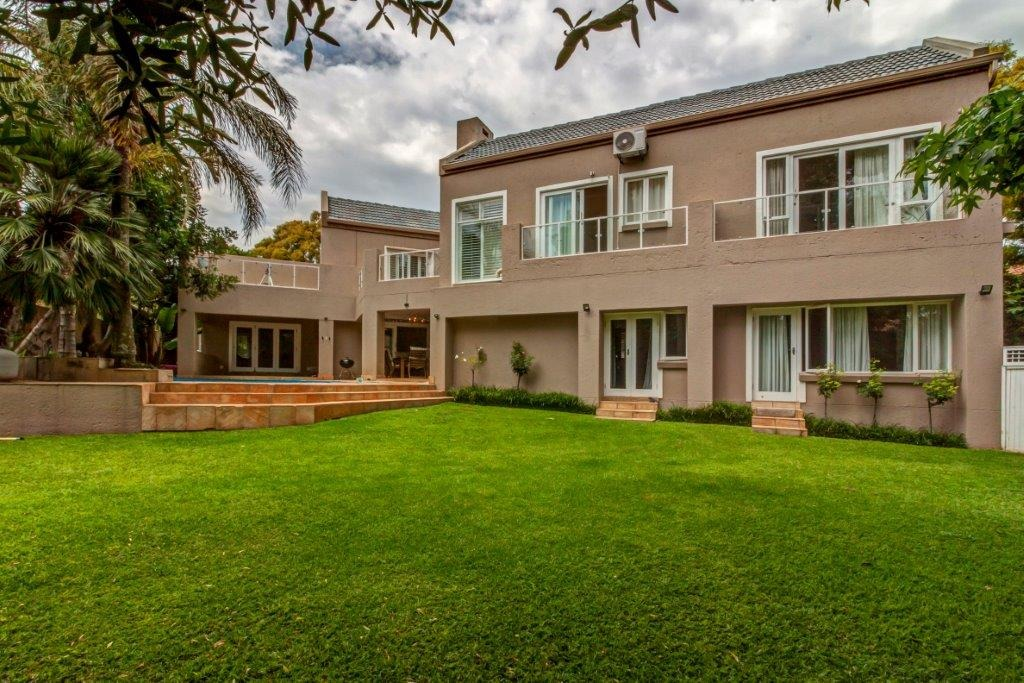 5 Bedroom House For Sale in Fourways Gardens