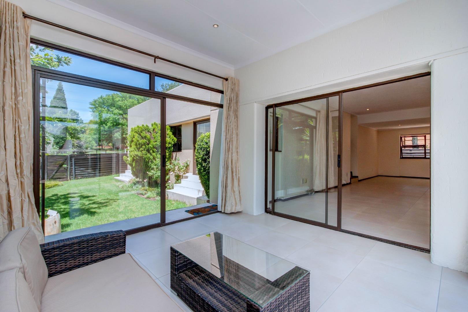 3 Bedroom House For Sale in Cedar Lakes