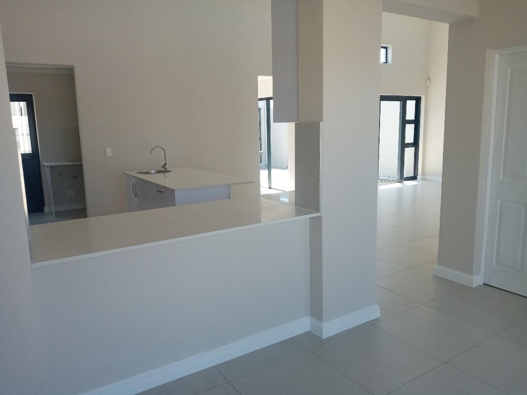 3 Bedroom House For Sale in Sandown
