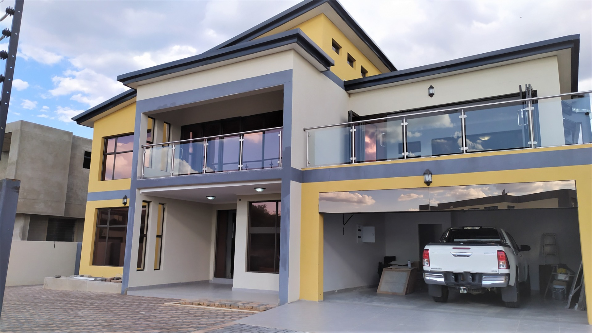 5 Bedroom House To Rent In Sebele Valley Re Max Of Southern Africa