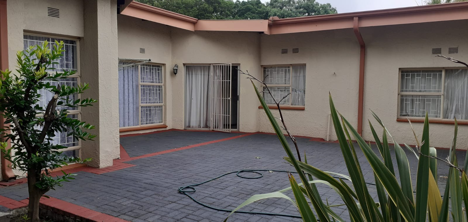 5 Bedroom House For Sale in Bethal