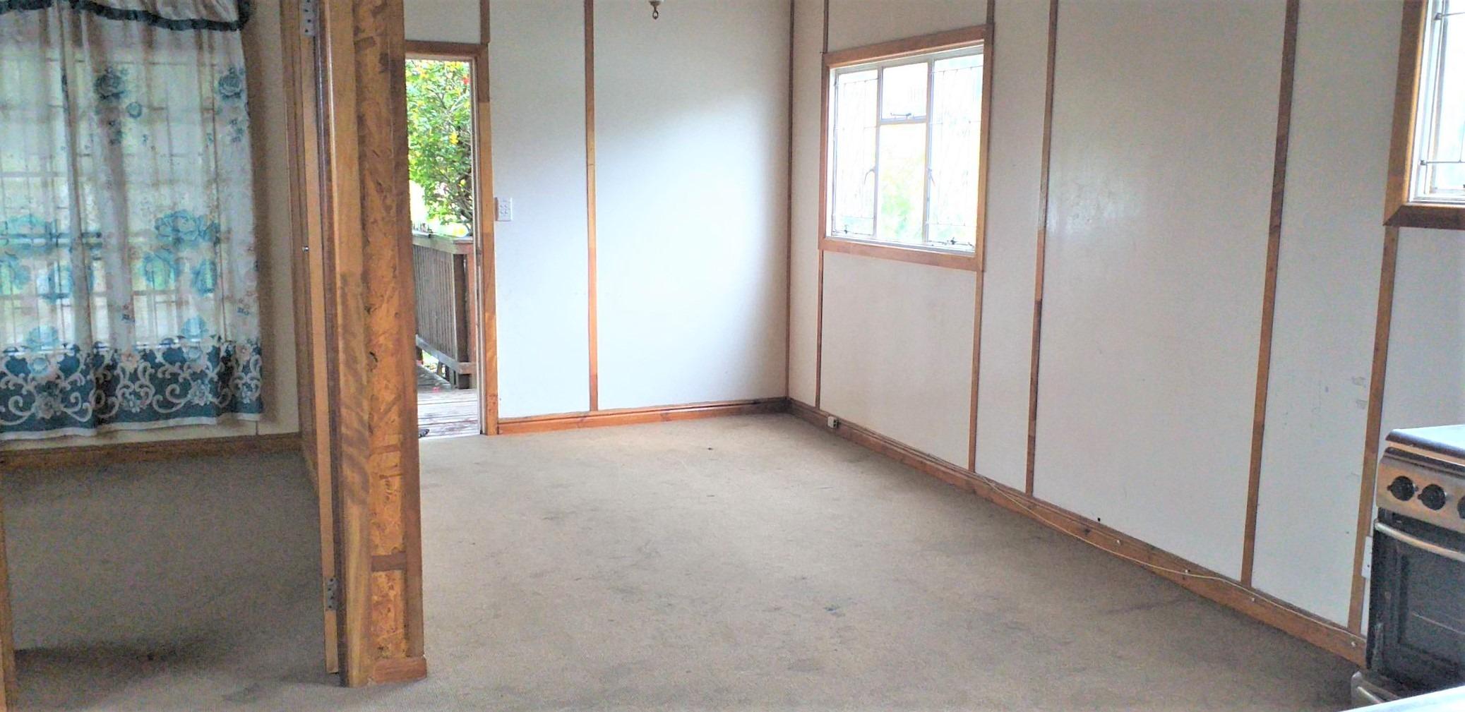6 Bedroom House For Sale in Hornlee