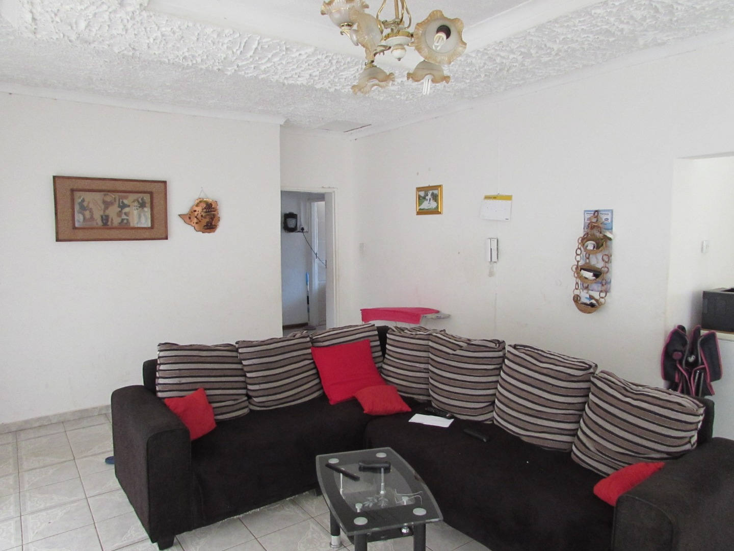 3 Bedroom House For Sale in Block 9