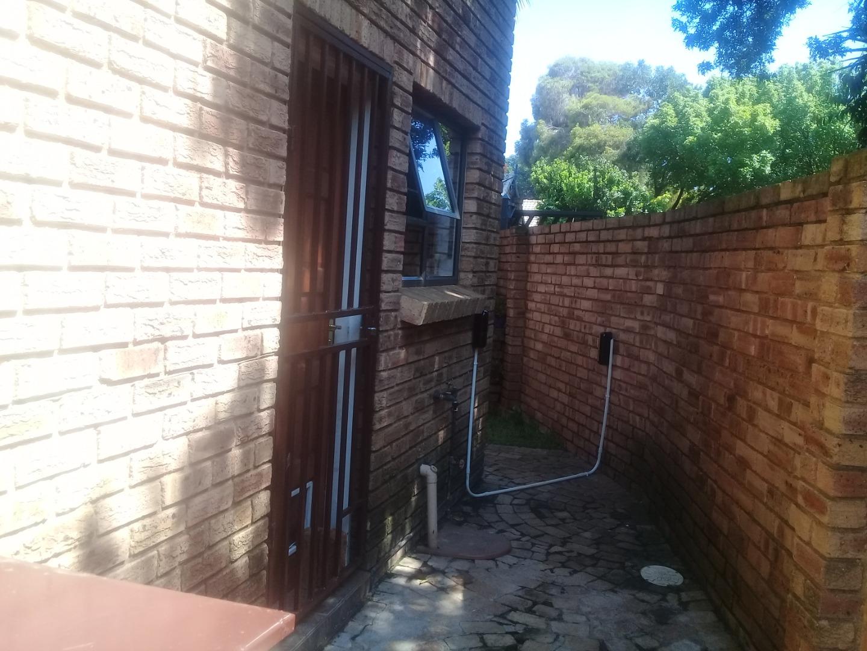 2 Bedroom House For Sale in Brackenhurst