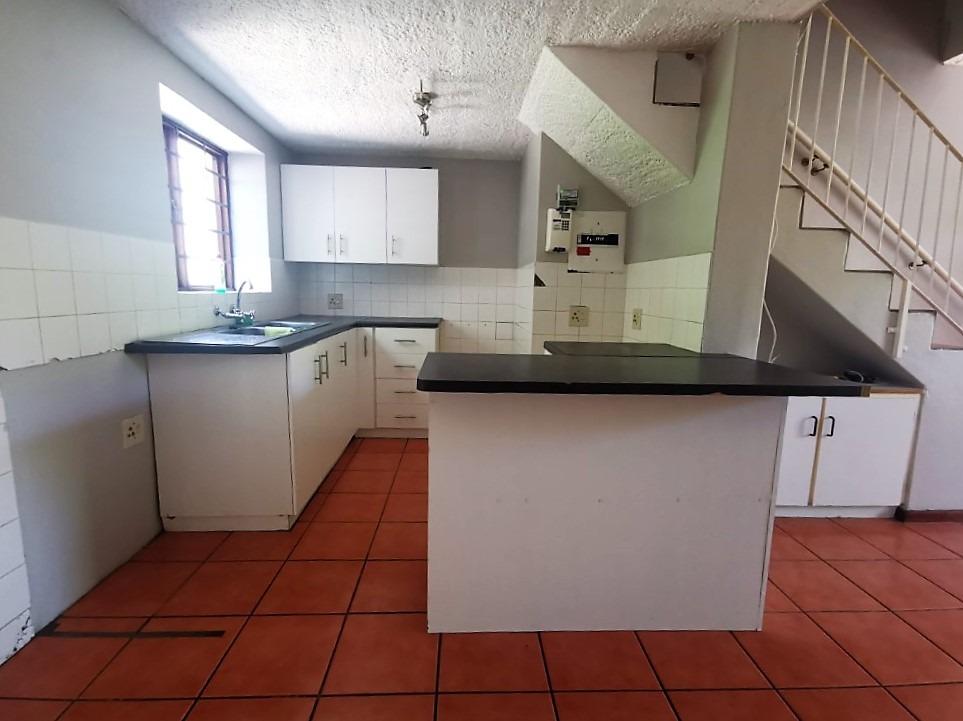 3 Bedroom Townhouse For Sale in Die Boord